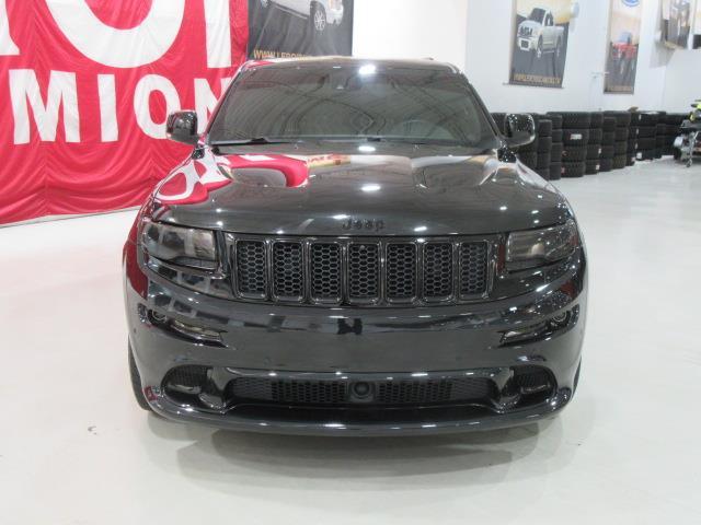 jeep grand cherokee srt8 6 4l 470hp navi 2014 occasion vendre saint eustache chez le roi du camion. Black Bedroom Furniture Sets. Home Design Ideas