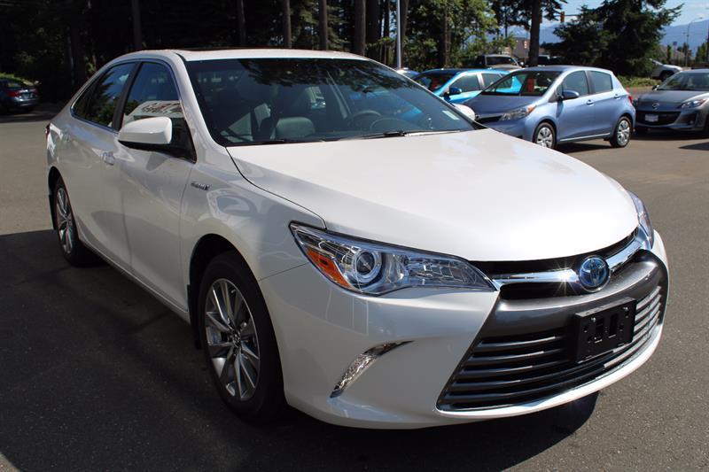 2017 Toyota Camry Hybrid XLE #11204