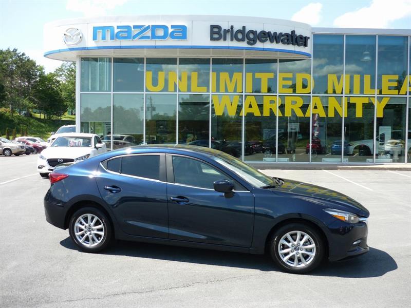 2017 Mazda 3 SE