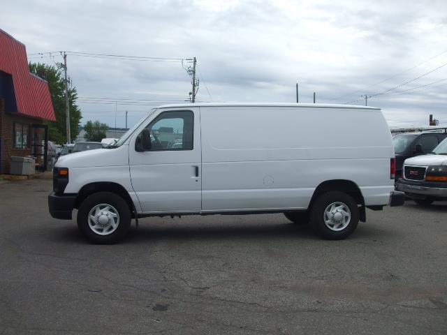 Ford Econoline Cargo Van 2013