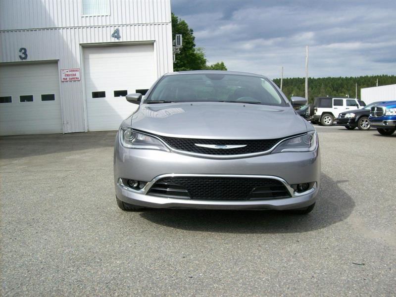 Chrysler 200 2016 C #F0715A