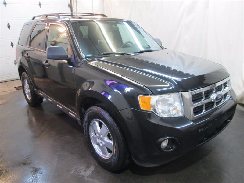 Ford Escape 2011  XLT #6-824