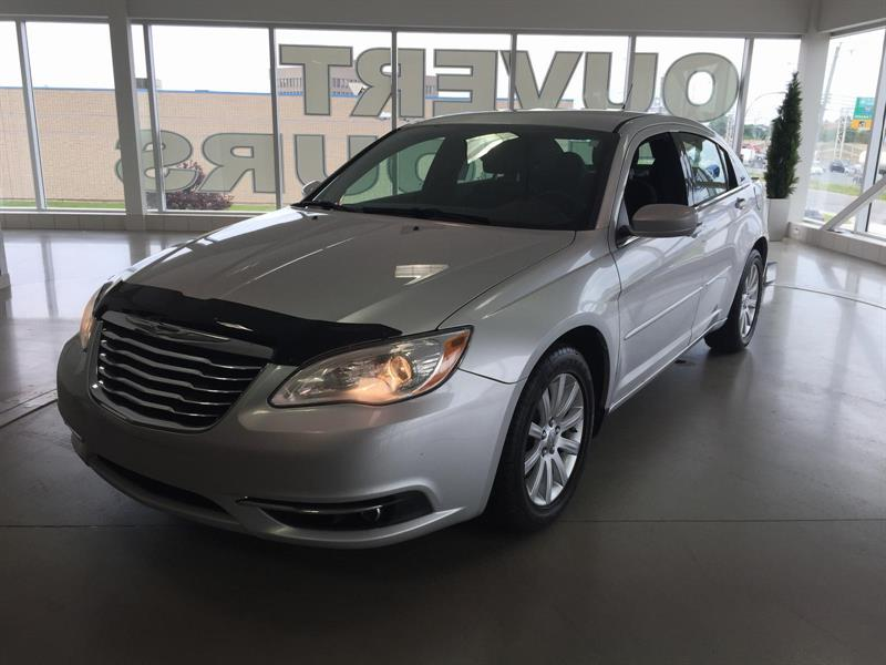 Chrysler 200 2011 Touring #U3182