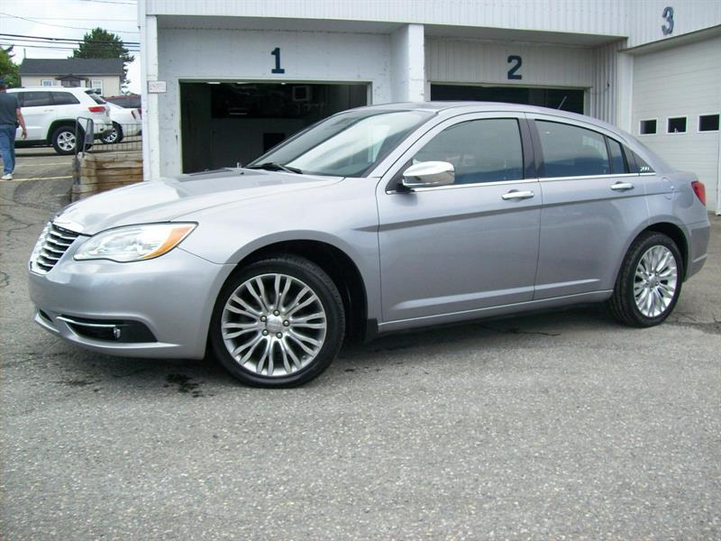 Chrysler 200 2014 Limited #F0718B