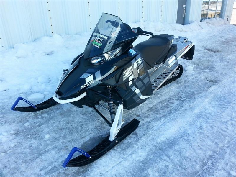 Arctic Cat ZR 8000 LXR 137 ES 2017