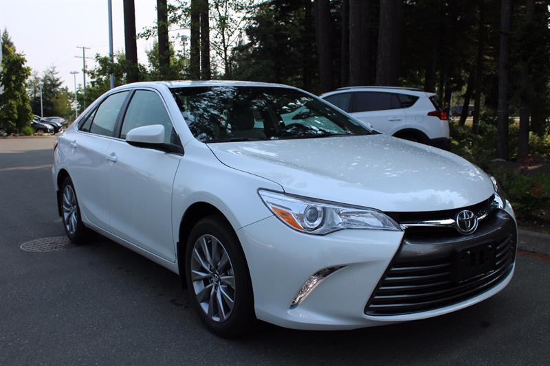2017 Toyota Camry XLE #11356
