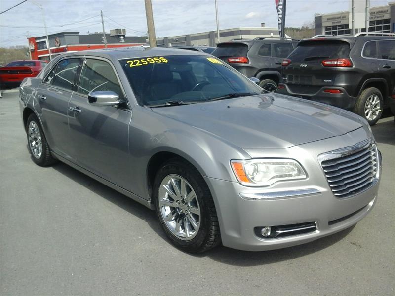 Chrysler 300 2014  C (cuir, toit pano, navi gps) #37121A