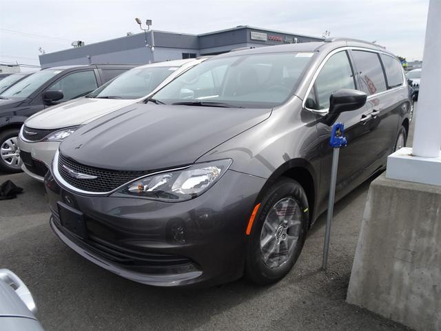 2017 Chrysler Pacifica Touring #17M113