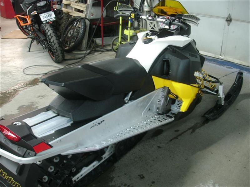 Ski-Doo MXZ 2011