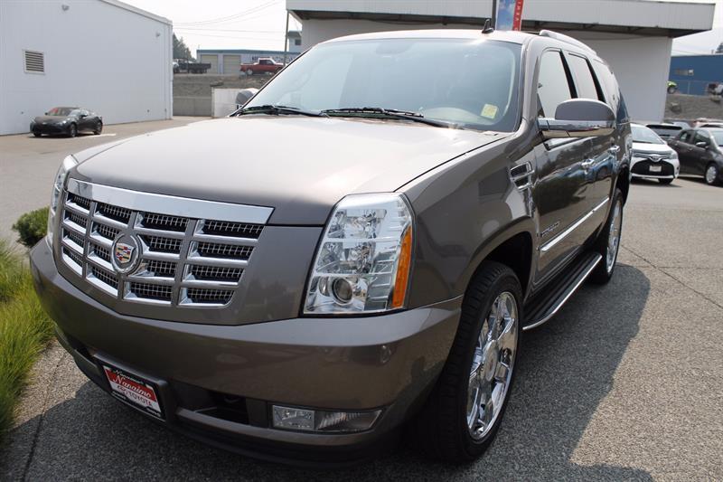 2013 Cadillac Escalade AWD 4dr Premium #18770AR