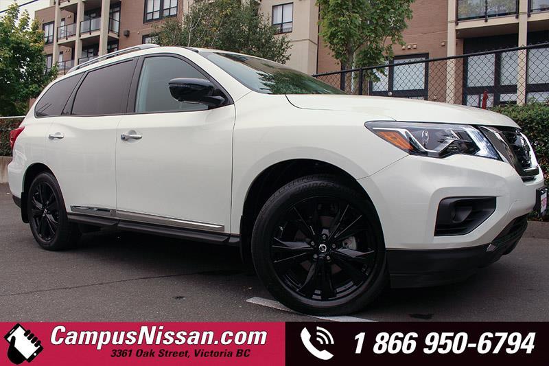 2017 Nissan Pathfinder Platinum 4X4 #D7-R314