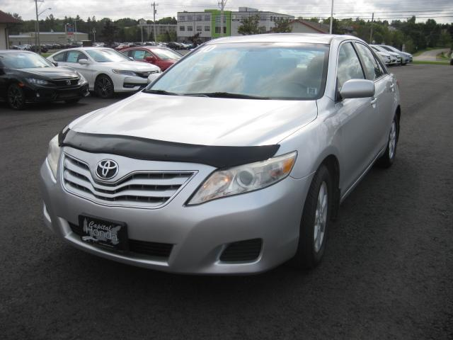 2010 Toyota Camry LE #H101A