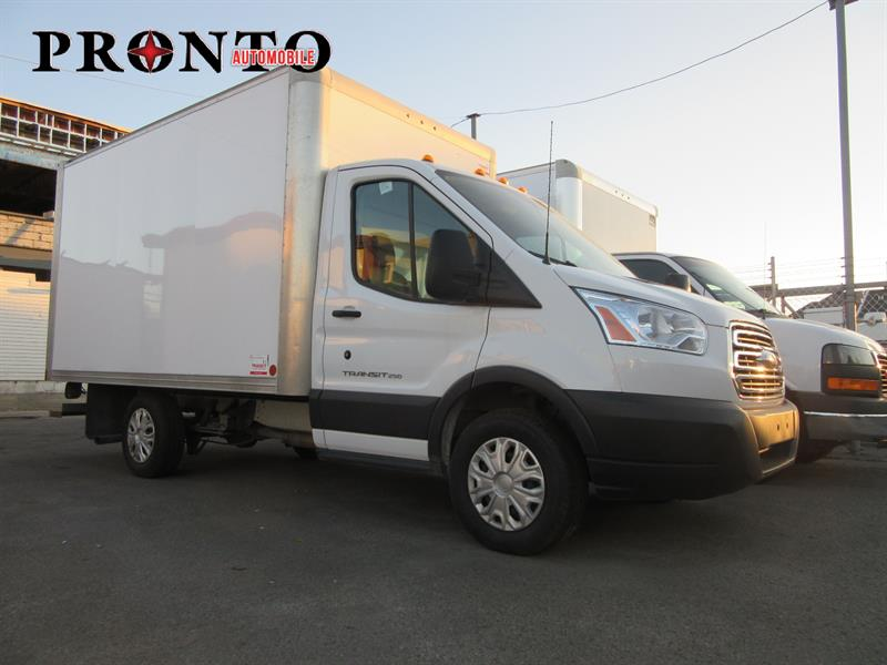 Ford Transit Cutaway 2015 T-250 Cube 12 pieds ** Rampe arriere ** #3452