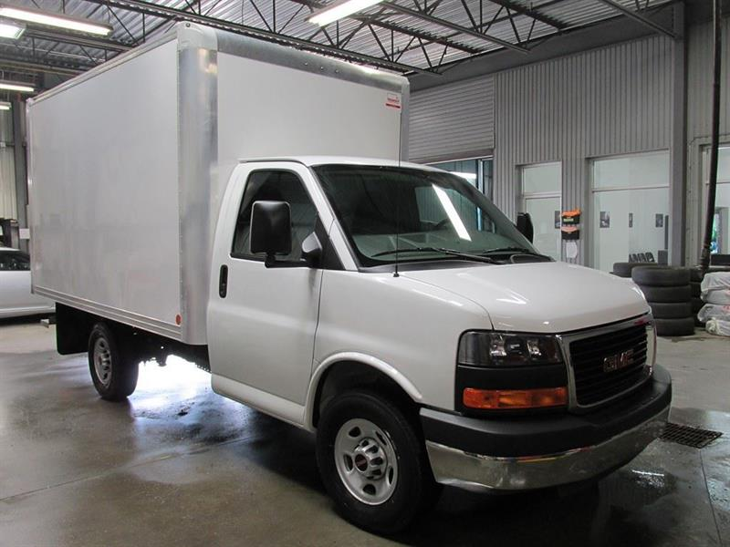 GMC Savana 3500 2015 CUBE:12 PI, 6.0L 31 990$ or rent one to 60 mois #COM-A4454