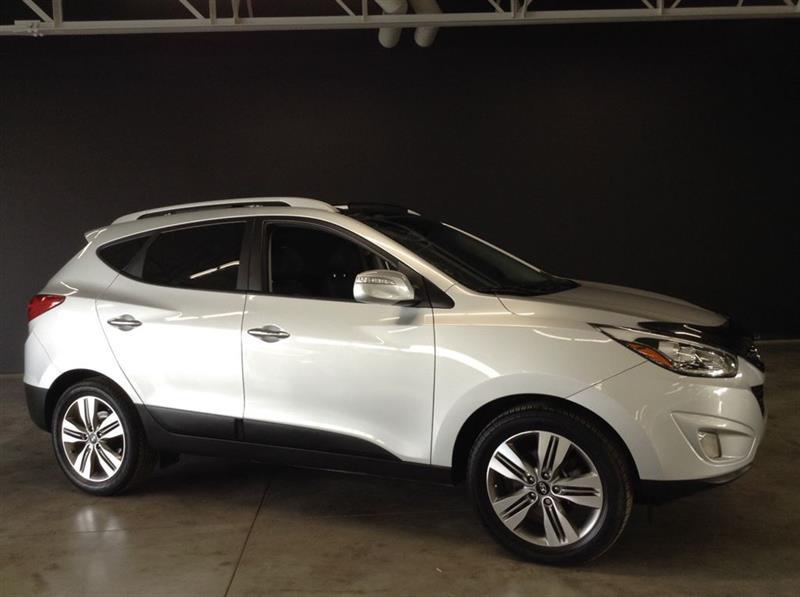 Hyundai Tucson 2015 LIMITED AVEC CUIR TOIT PANORAMIQUE MAGS ET + ! #71049A
