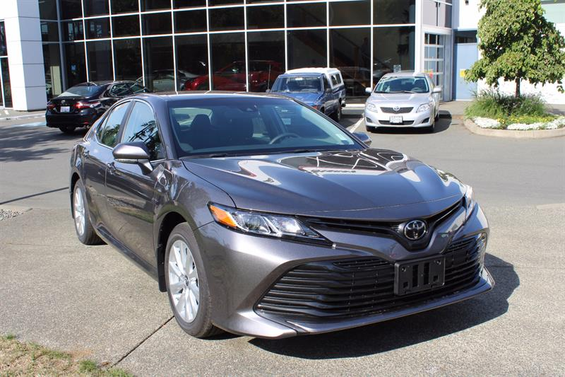 2018 Toyota Camry LE #11411