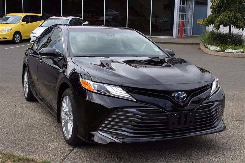2018 Toyota Camry Hybrid XLE #11420