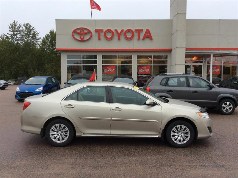 Toyota Camry 2014 LE #18017A