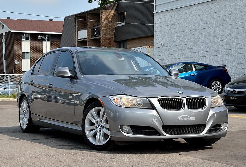 BMW 3-Series 2011 3 Series 323i #171459A