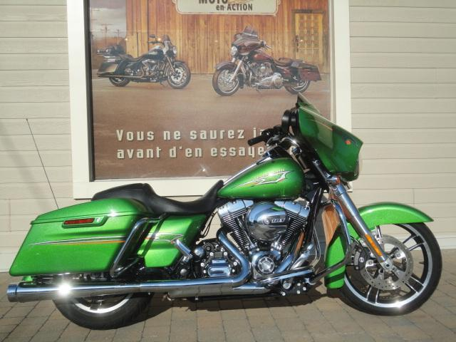 Harley Davidson FLHXI 2015