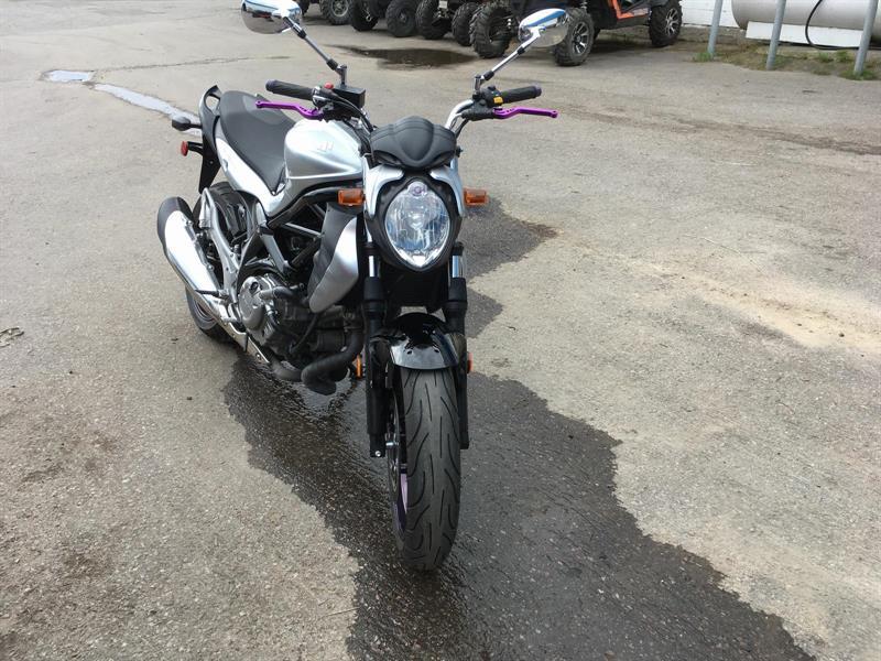Suzuki GLADIUS 2011