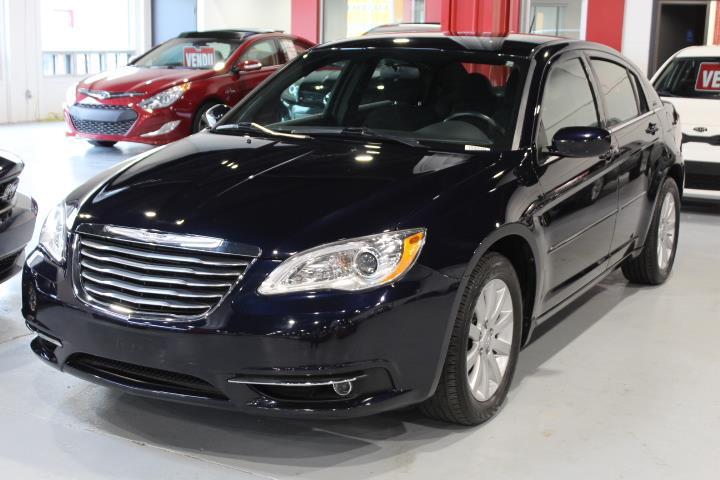 Chrysler 200 2012 TOURING 4D Sedan #0000000015
