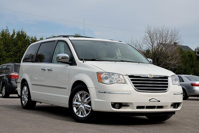 Chrysler Town & Country 2010 Limited #180047A