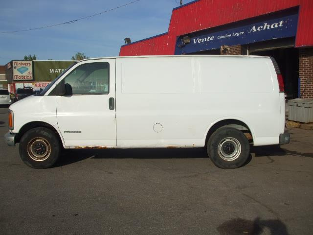 GMC Savana Cargo Van 2002