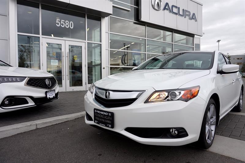 2015 Acura ILX 4dr Sdn Premium Pkg #786061A