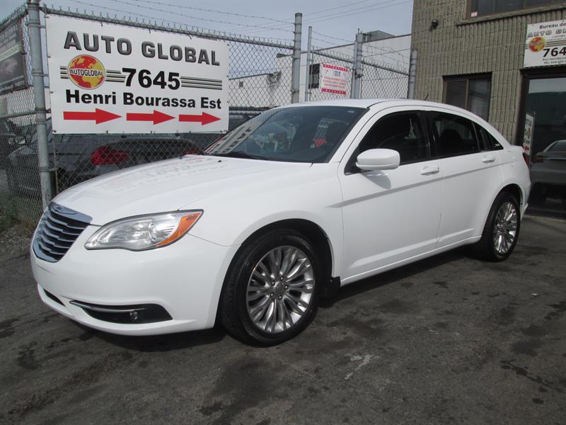 Chrysler 200 2012 TOURING,AUT, TOIT OUVRANT,NAVIGATION, TRÈS BEAU!! #17-1094