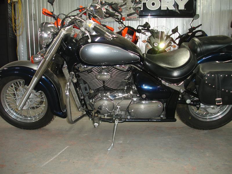 Suzuki VL800 2004