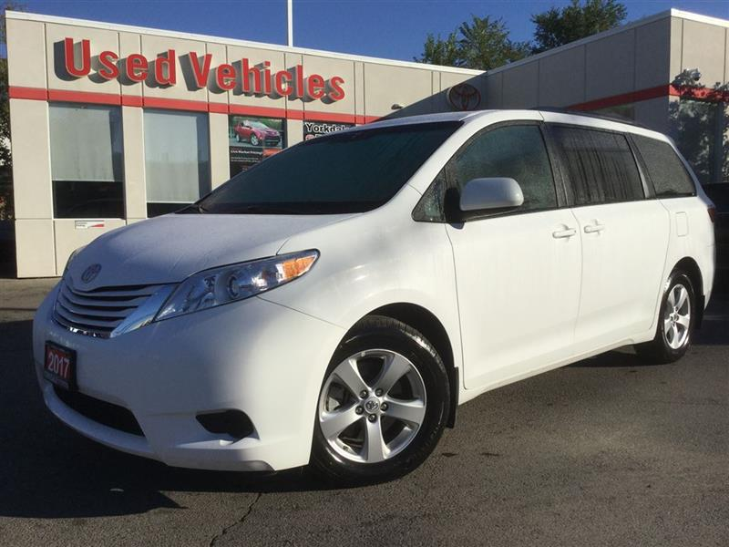 2017 ToyotaSienna25 198 KM$33699 & Yorkdale Toyota | Toronto Toyota dealership markmcfarlin.com