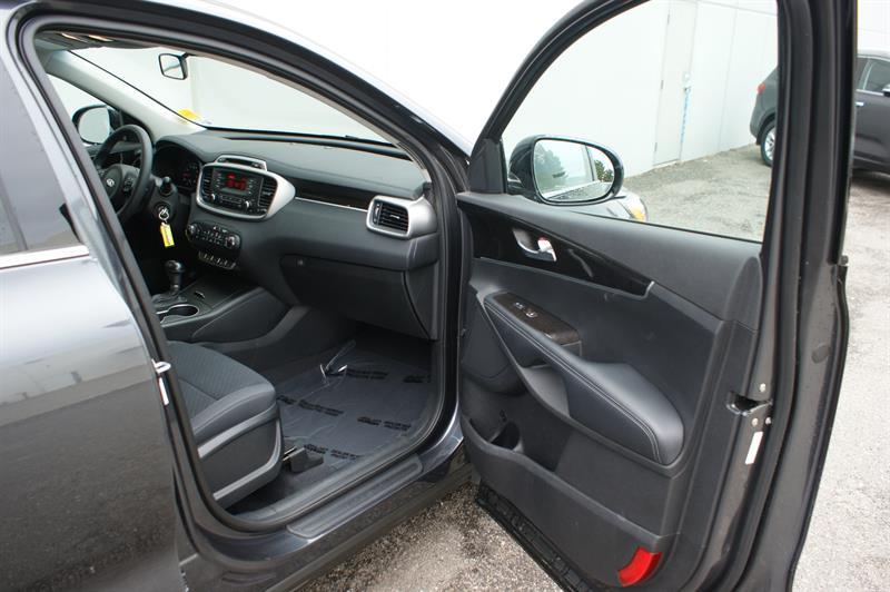 2017 Kia Sorento Lx Heated Seats Bluetooth Parking Sensor Used For Sale In Penticton At