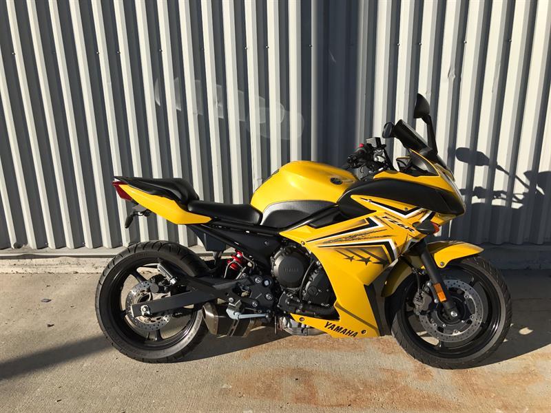 Yamaha fz6r 2009 FZ6R #000069