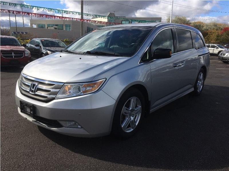 2011 Honda Odyssey Touring #18-111A