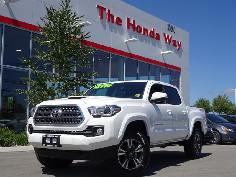 2017 Toyota Tacoma SR5 Double Cab Long Bed V6 6AT 4WD #P5027
