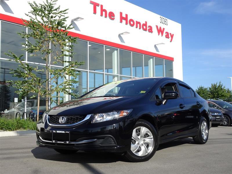 2014 Honda Civic LX Sedan CVT / Warranty until 2021 or 160,000kms #17-657B