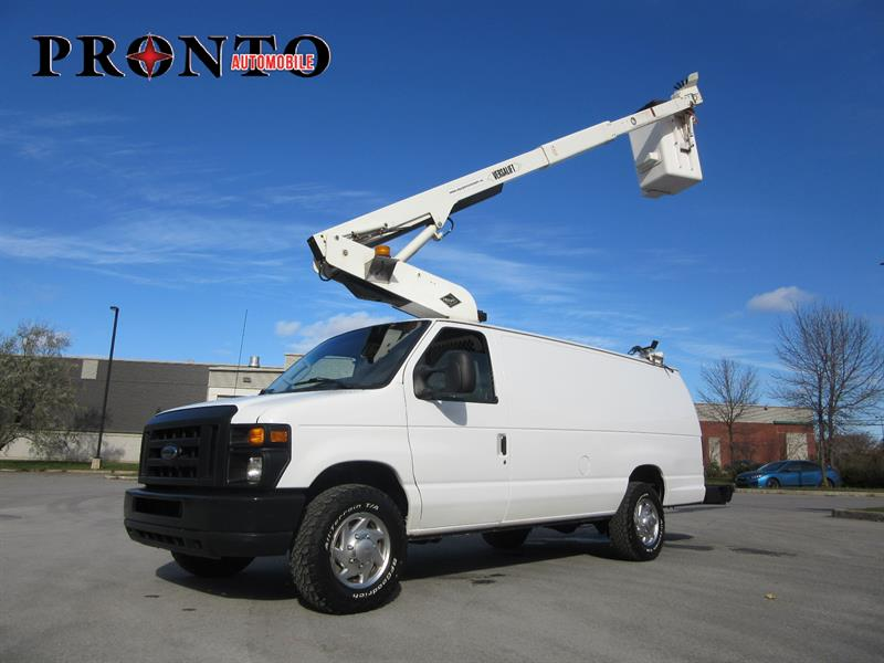 Ford Econoline Cargo Van 2010 E-350 Super Duty Ext ** Versalift 29 pieds Isolé * #3485