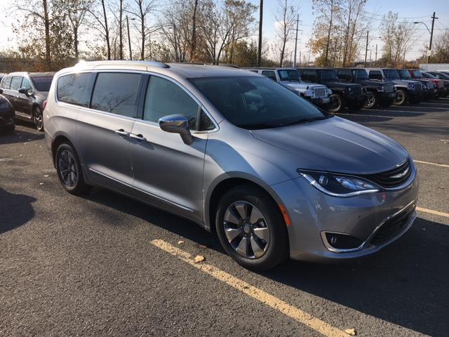 Chrysler Pacifica Hybrid 2017 HYBRID PLATINIUM #Z17762
