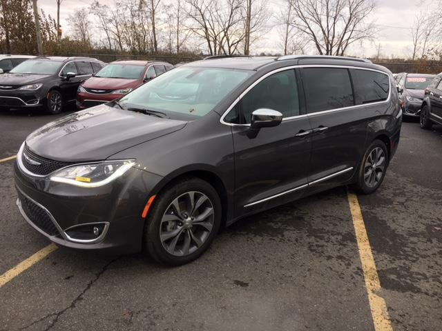 Chrysler Pacifica 2017 4dr Wgn Limited   #Z17263
