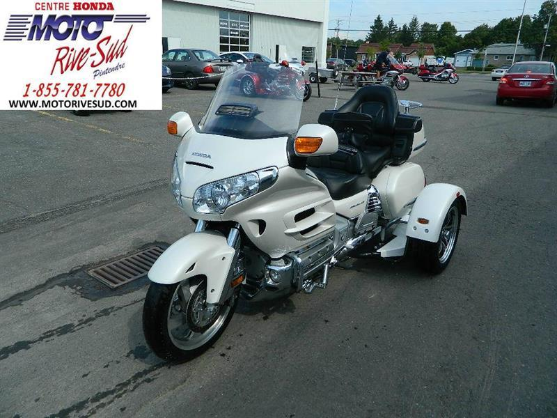 honda trike gl 1800 goldwing trike 4 roues 2010 occasion vendre pintendre chez moto rive sud. Black Bedroom Furniture Sets. Home Design Ideas