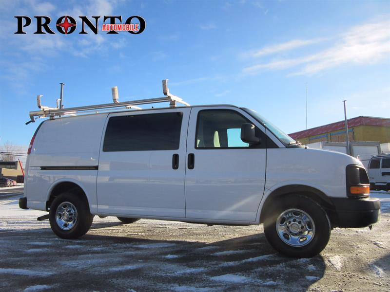 chevrolet express cargo van cargo 2500 voir quipements 2013 occasion vendre laval chez. Black Bedroom Furniture Sets. Home Design Ideas