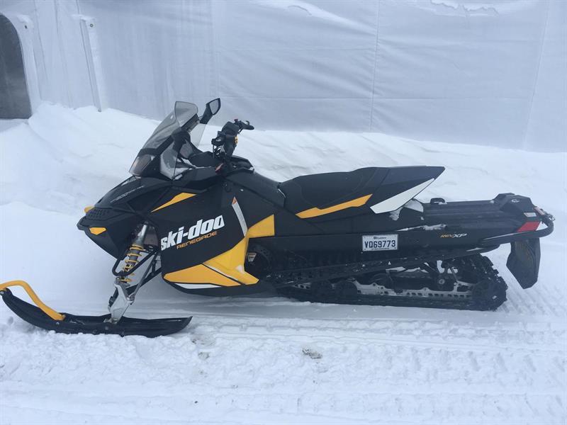 Ski-Doo RENEGADE ADRENALINE 600 ETEC 2012
