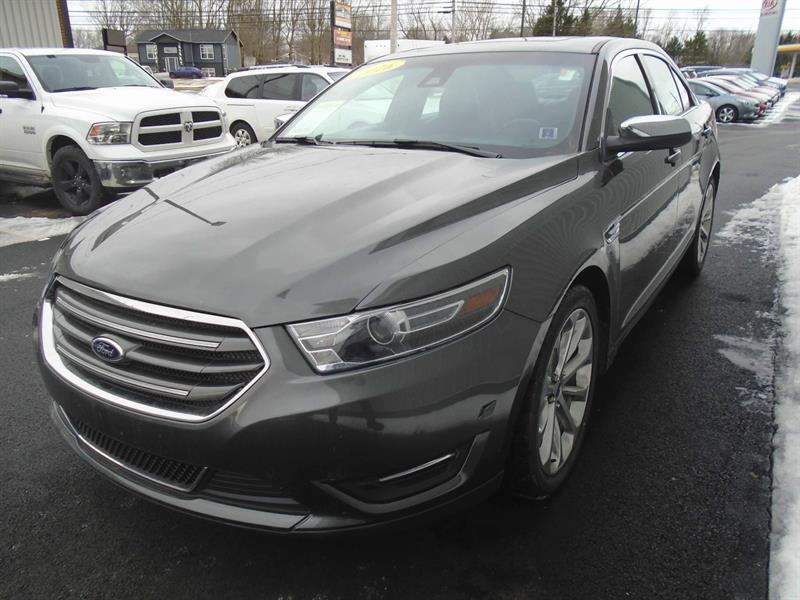 2016 ford taurus limited awd 3 5l v6 bluetooth used for sale in summerside at centennial. Black Bedroom Furniture Sets. Home Design Ideas
