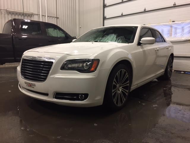 Chrysler 300 2013 S (CUIR, TOIT PANO,NAVI,BEATS AUDIO) #03703A