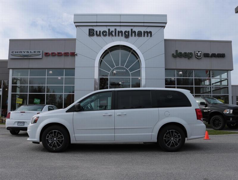 2017 Dodge Grand Caravan SXT #D17130