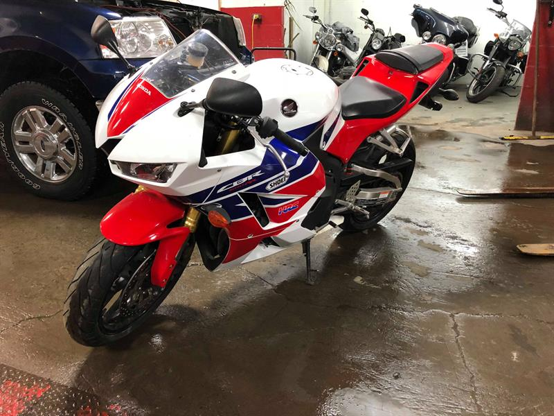 2015 Honda CBR600RR RR Used for sale in Saint-Eustache at