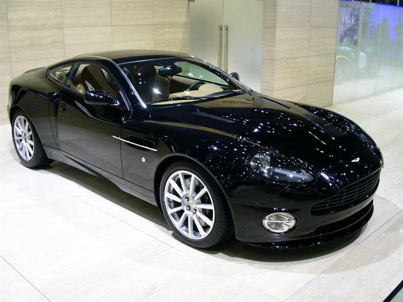 Aston Martin Vanquish 2003 coupe