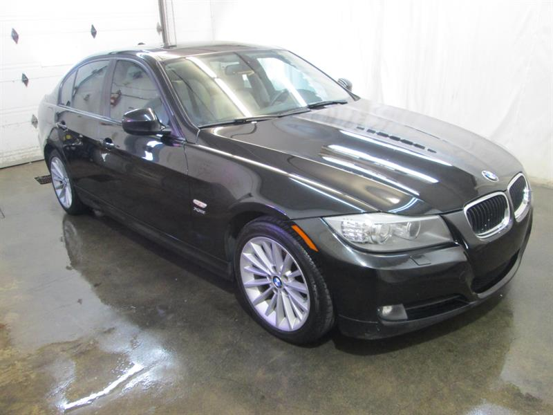 BMW 3 Series 2010  328i xDrive AWD #8-0110