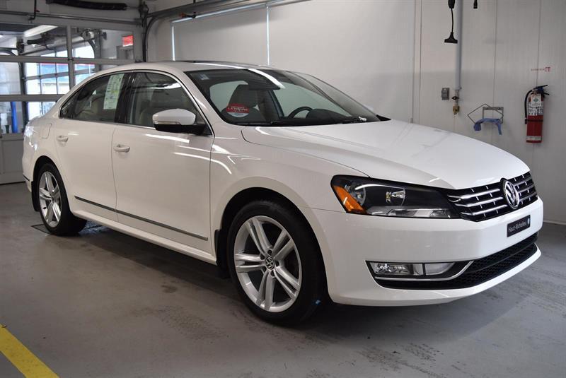 Volkswagen Passat 2015 HIGHLINE TDI +NAV #U7229
